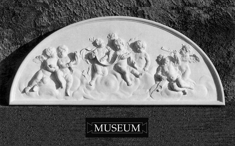 MUSEUM Flachrelief Architektur Verzierung  |