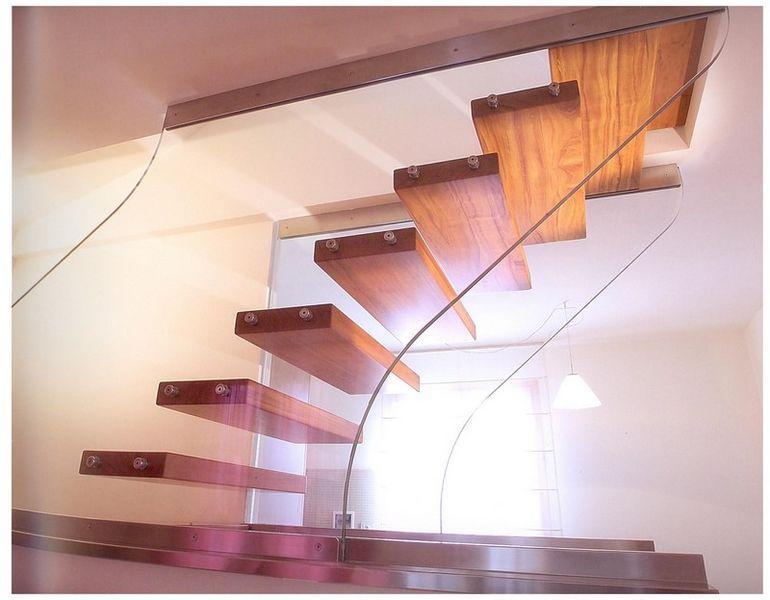 freitragende treppe treppen leitern decofinder. Black Bedroom Furniture Sets. Home Design Ideas