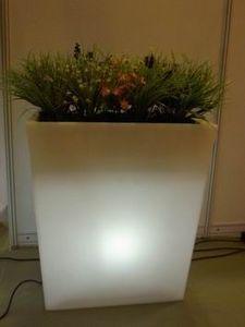 Megasii - mps6-04 - Leuchtblumentopf
