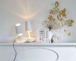 LABEL/BREED - cast metal lamp / low--- - Tischlampen