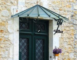 Brun et Doutte - -pompadour - Eingangsvordach