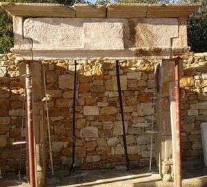 LES MEMOIRES D' ADRIEN - cheminée ancienne - Geschlossener Kamin