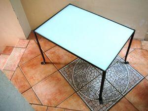 L'atelier tout metal - table basse rivetée en acier brossé - Rechteckiger Couchtisch