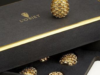 L'OBJET - pinecone gold place card holders - Tischkärtchen