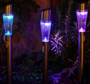 FEERIE SOLAIRE - borne solaire design multicolore en métal 29cm - Gartenwindlicht Mit Erdspieß