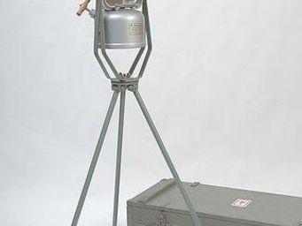 RELOADED DESIGN - faro - Dreifuss Lampe
