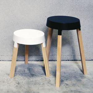 Deneufbourg Benoît Design Studio - bxl tables - Beistelltisch