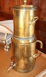 ARCADE DE BROCANTE D ORCY -  - Kaffeekanne