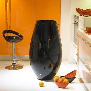 POTERIE GOICOECHEA - vase aubergine fabrication a la corde - Große Vase