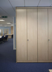 Mcfeggan Brown (partitions) -  - Büroschrank