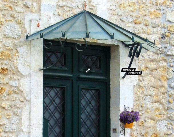 Brun et Doutte - Eingangsvordach-Brun et Doutte--Pompadour