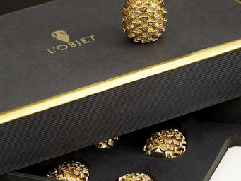 L'OBJET - pinecone gold place card holders - Identificador De Sitio, De Asiento