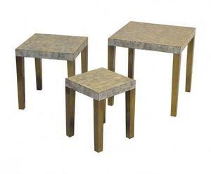 Demeure et Jardin - tables gigogne laque et coquille d'oeuf pied bron - Mesas Nido