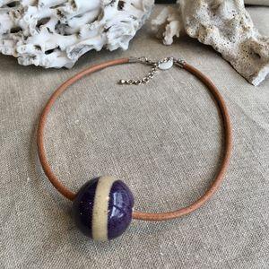 Sandrine de Courcy -  - Collar