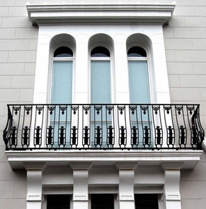 Britannia Architectural Metalwork -  - Balcón