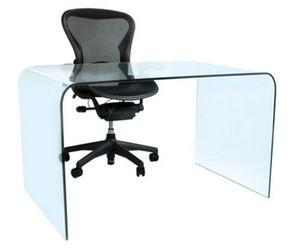 Quinton Cavendish -  - Mesa De Despacho