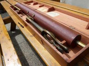 La Timonerie Antiquit�s marine - ancien t�lescope de table 1m37 - Telescopio