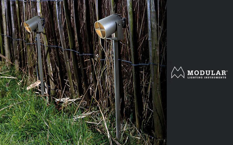 Faretto da giardino con picchetto lampade e illuminazione da