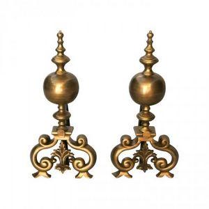Demeure et Jardin - paire de chenets en bronze style régence - Alare