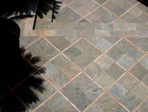 Lastra per pavimentazione esterna