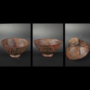 Expertissim - coupe sur pied en terre cuite à décor en négatif - Objetto Precolombiano